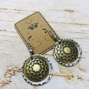 Boho hammered metal drop earrings NWT